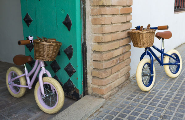 Banwood First Go vintage-style balance bike