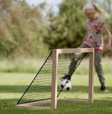 Akiko Football Goal by Skagerak
