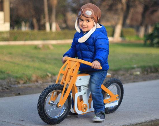Vintage cafe racer-style balance bikes for kids by Jokos