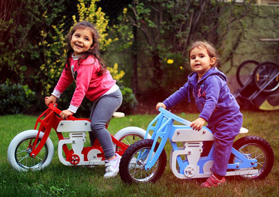 Vintage cafe racer-style balance bikes for kids by Jokos