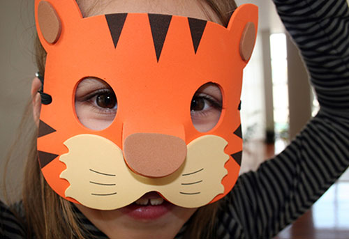 Jungle mask set by Hector Serrano for Kikkerland