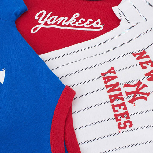 New York Yankees babygrow set by Majestic