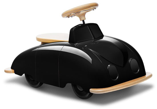 1940s-inspired Roadster Ride-On Car by Playsam