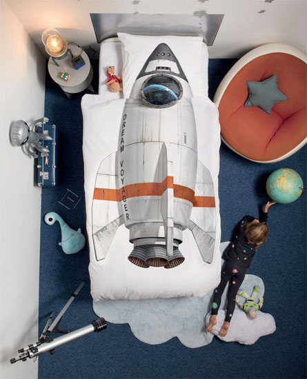 Space age bedroom: Rocket bed linen by Snurk