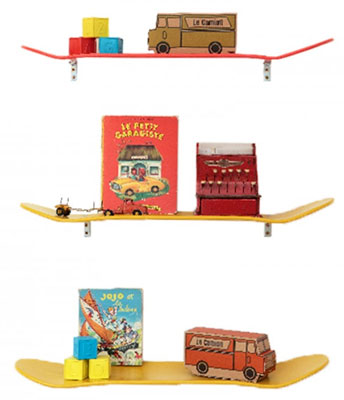 Leçons de Choses natural wood skateboard shelf