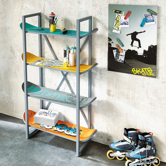 Freestyle skateboard shelving for kids at Maisons du Monde