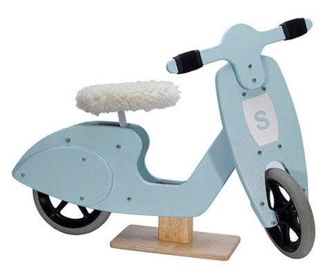 Vespa-style Skipper scooters at Zulily