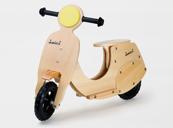 Vespa-inspired Wespe training bike for kids by Legler